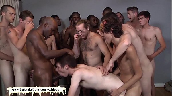 Sexy Guy Gets Bukkake Session