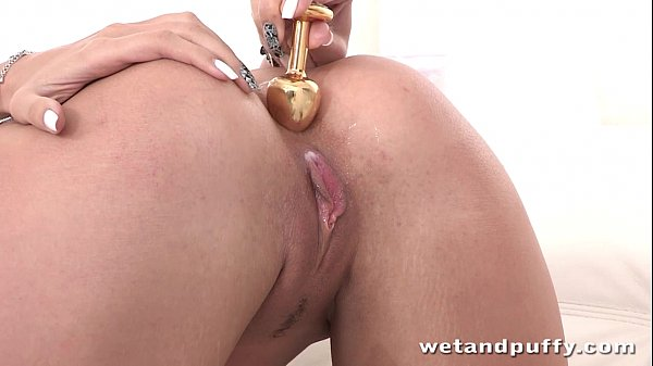 Butt plug anal and orgasm for squirting blonde Thumb