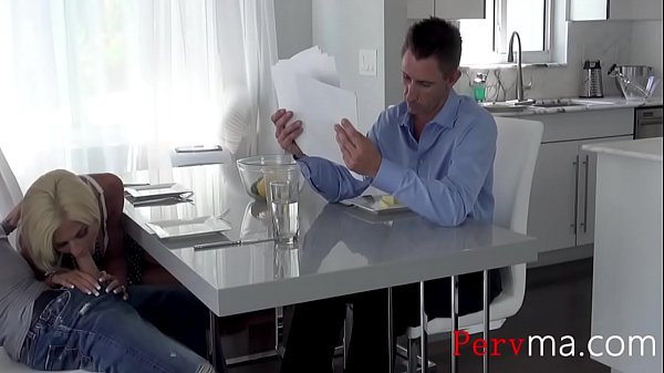 Mamma diteggiatura figa davanti al figlio porno