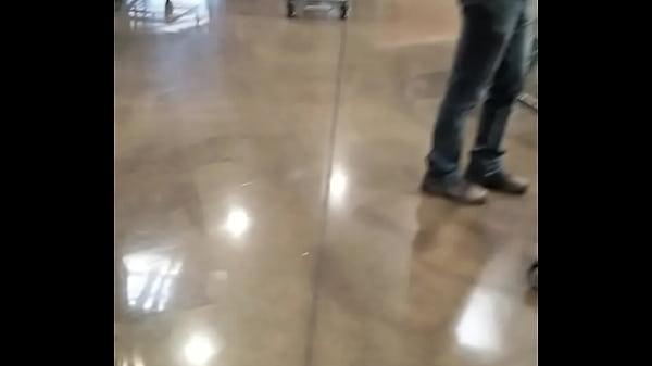 Black yoga pants while shopping at Costco Thumb