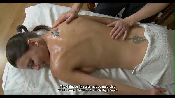 Необычная девичья мастурбация