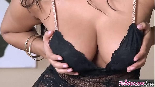 Busty Ones - (Sunny Leone) - Dark And Dangerous - Twistys Thumb