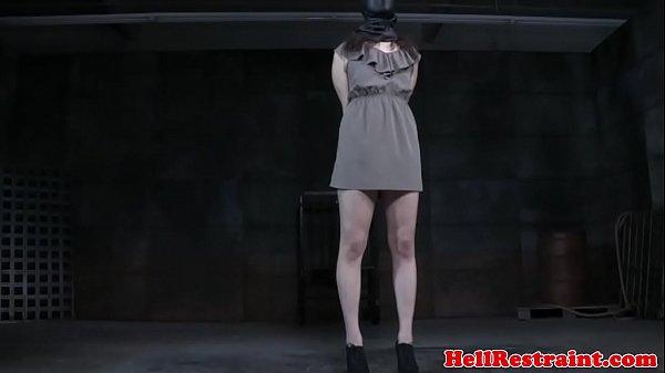 В ваной скрытая камера мастурбируют