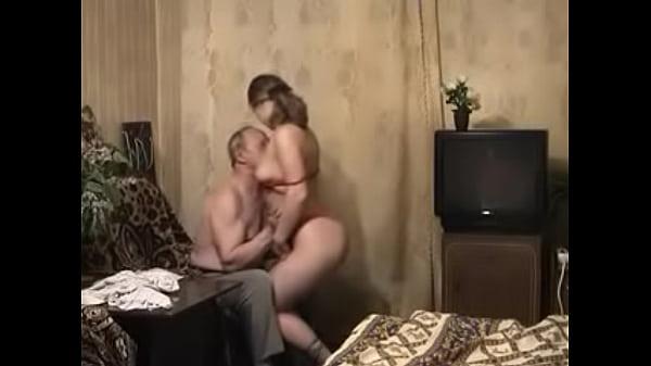 Vovô e neta transando em porno incesto