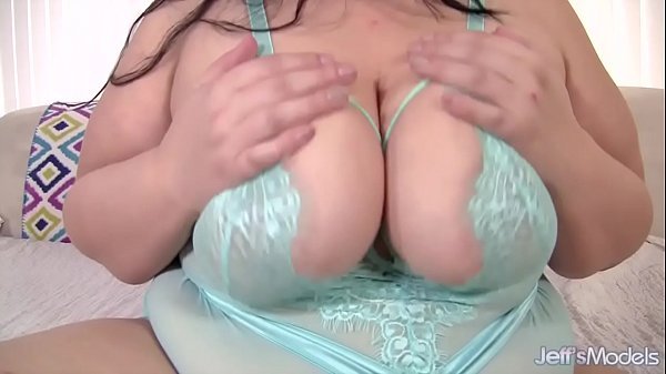 Becki Butterfly Big Tits and Big Butt uses sex toys Thumb
