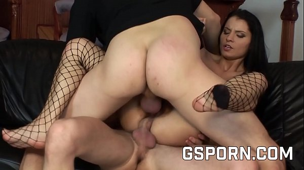 Sexy police fucked in her ass in a hot threesome Thumb