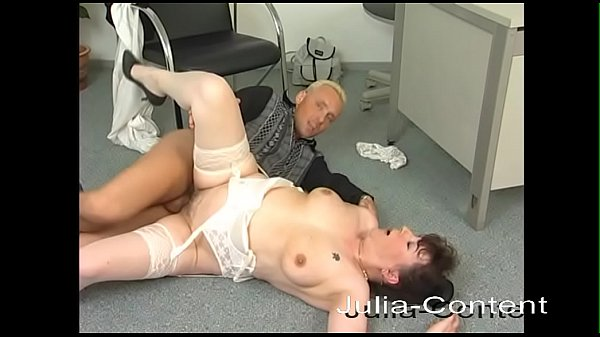Dreamwife fucks with the boss