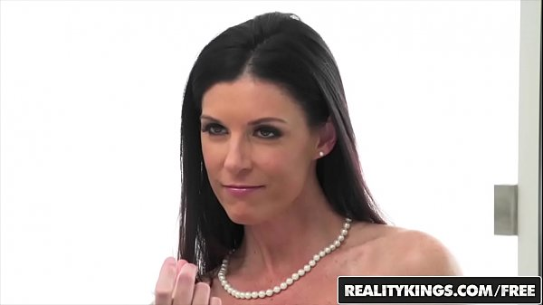 Perfect milf (India Summer) sucks stepson - Reality Kings Thumb