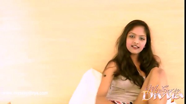 Hot indian girl Divya masturbating on cam
