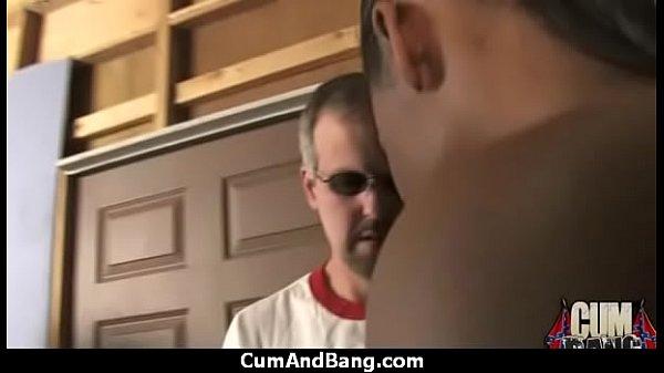 Красивые девушки сосут пенис
