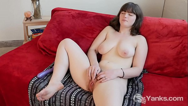 Chesty Yanks Raven Toy Her Hairy Pussy