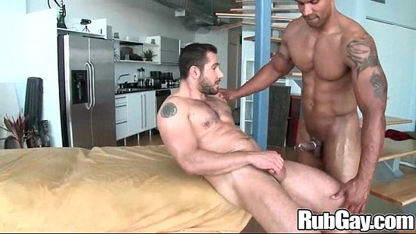2018-12-25 23:16:47 - Rubgay Bear Guy Massage 6 min  http://www.neofic.com