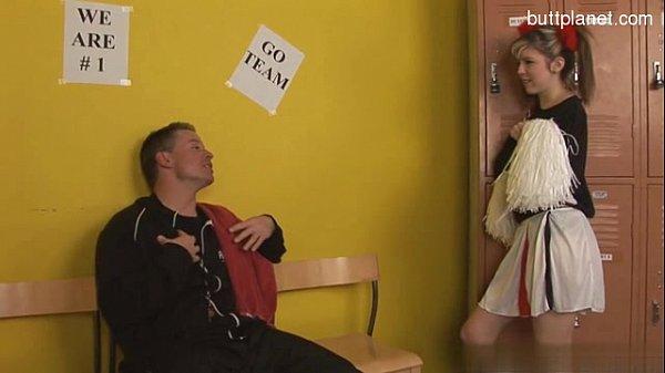 Жена трахается с мужем в комнате