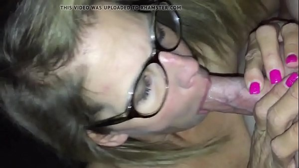 Amateur mature cougar orally pleasing young man - Sluttymilfs.net