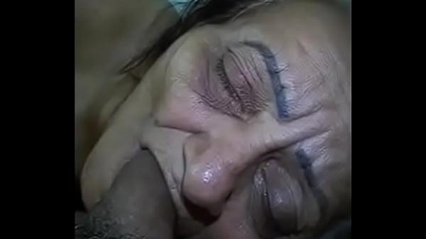 Внук кончил бабушке в рот скрытая камера