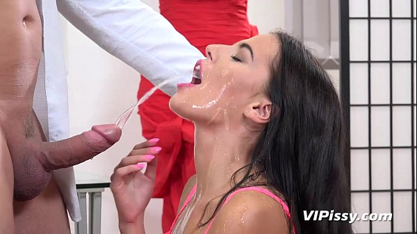 Seductive Brunette Drinks Piss In Filthy Hardcore Scene