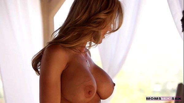 Moms Teach Sex - Mom seduces her virgin stepson Thumb
