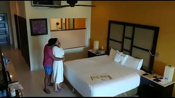 Spy camera caught husband wife having sex in hotel room Thumb