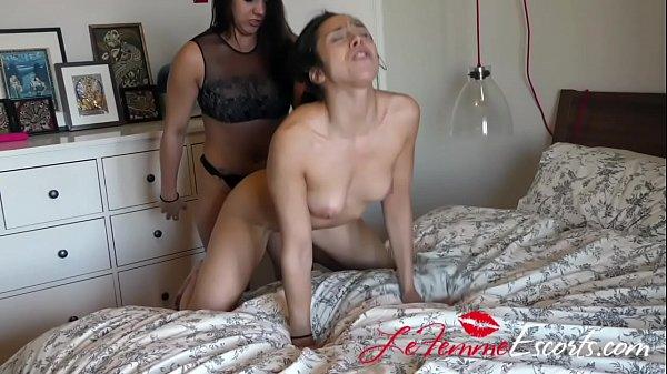 nudist striper act free