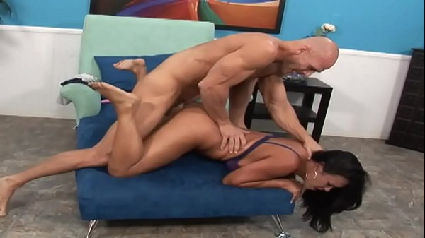 Mariah gets her panties wet and gets her tongue penetrated Thumb