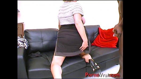 Cougar en GB black ! Squirt et nichons enormes !!! French amateur  thumbnail