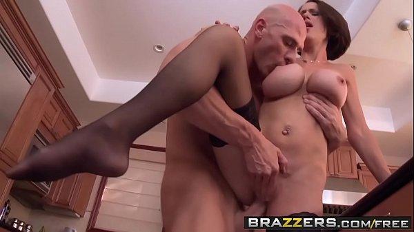 Bad milf (McKenzie Lee) fucks the help - Brazzers