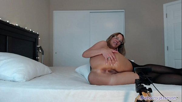 HOT Streamate CamGirl Milf Flashing Ass Thumb