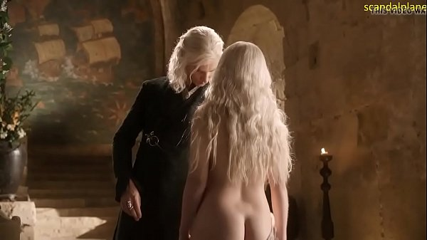 Emília Clarke nude in Game of Thrones Thumb