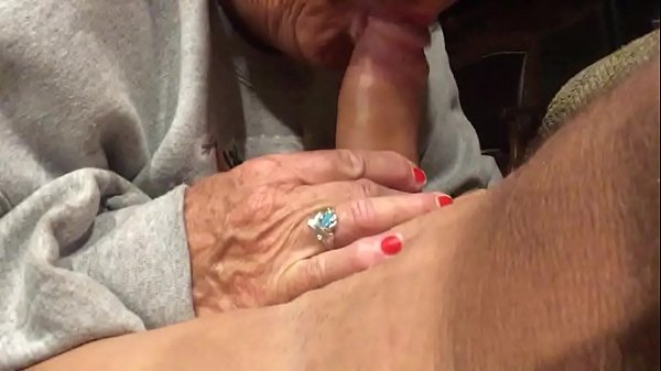 Wife giving me a great handjob