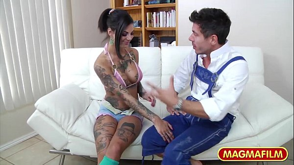 MAGMA FILM Bonnie Rotten on roller skates