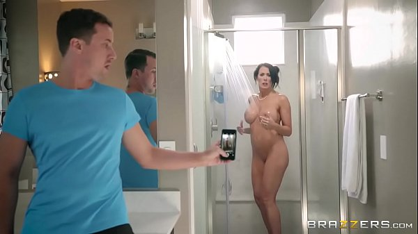 Brazzers - Step son catches (Reagan Foxx) in the shower Thumb