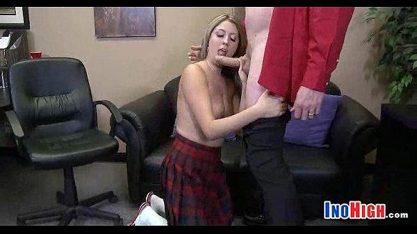 Порно рвут целочьки огромным хуем