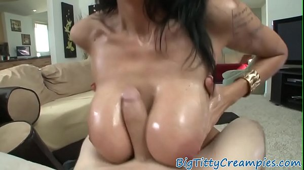 banging-milf-titty-fuck-webcam