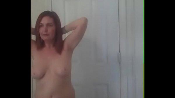 Худенькая красивая мама трахнулась с сыном порно