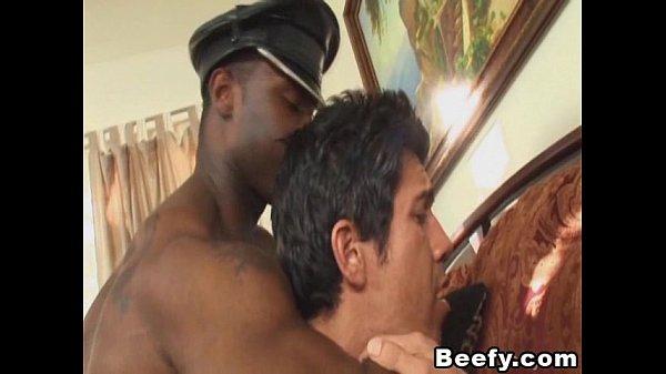 2018-11-11 16:44:57 - Beefy Black Dude Anal Fucks White Gay 7 min  http://www.neofic.com