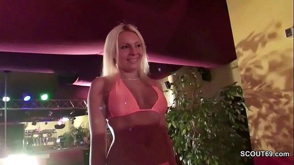 2 Freunde ficken die Stripperin beim Junggesellenabschied