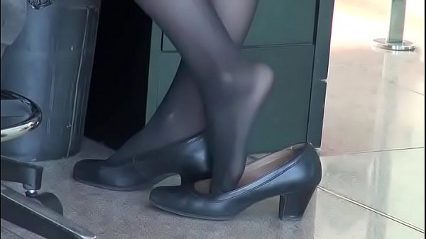 CANDID SHOEPLAY HOSTESS AIRPORT 74 - HD Thumb