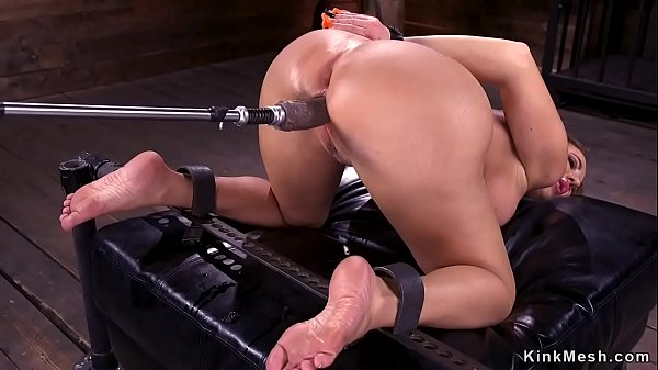 Pawg Milf with huge tits fucking machine Thumb