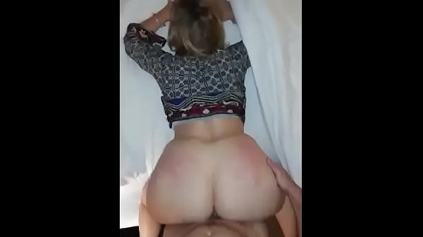 PAWG UNREAL Hot Milf Squirting While Getting Fu...