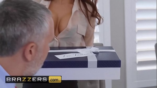 (Madison Ivy, Keiran Lee) - The Assistant's Aff...