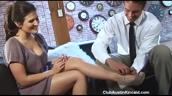 He rubbed my feet and wanted to fuck them too | Austin Kincaid Thumb
