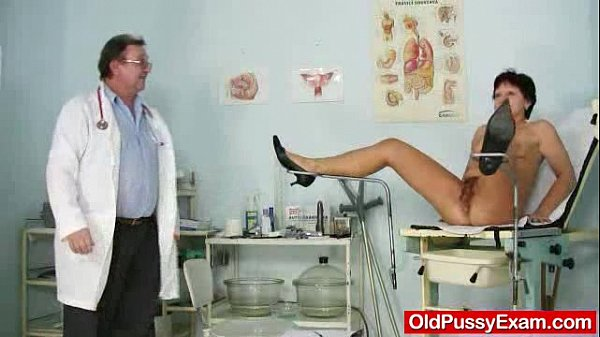 Unshaven housewife Eva visits gyno doc fuck hole inspection Thumb