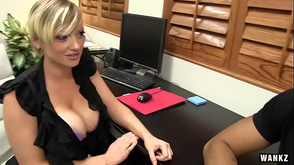 WANKZ- Lyli Eden Shows What Customer Service Means Thumb