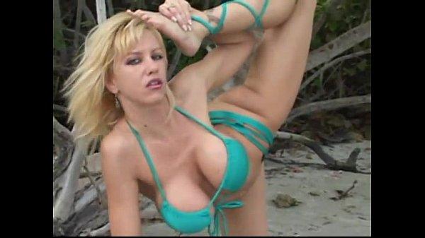 How do u measer boobs