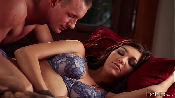 Babes.com - THE PERFECT COUPLE - Holly Michae