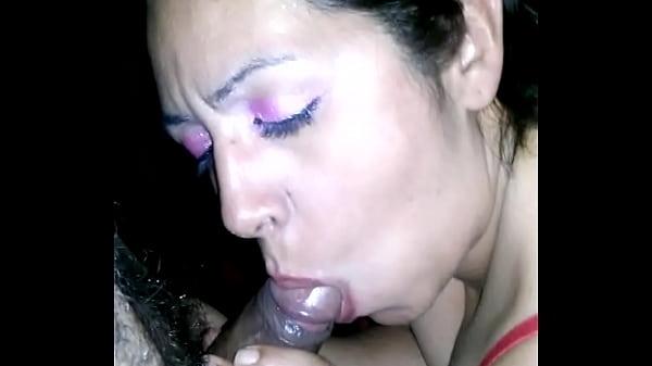 Porno con una ragazza italiana con una fica pelosa