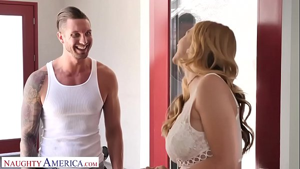 Naughty America Brenda Phillips (Sarah Vandella) give the AC guy a blow