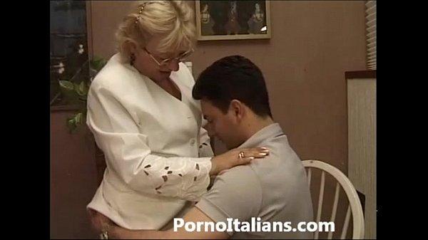 Porno cazzo duro mamma italiana