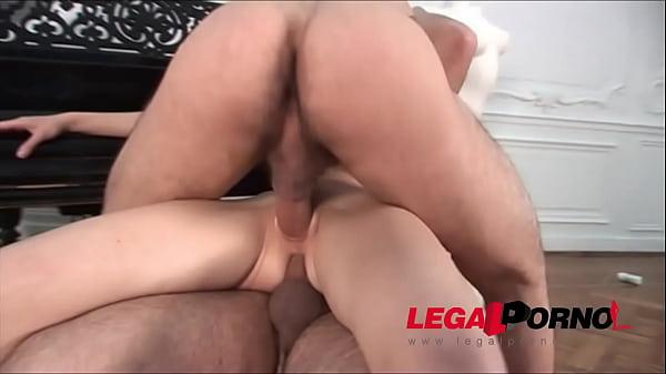 Молодая пара на кастинге порно