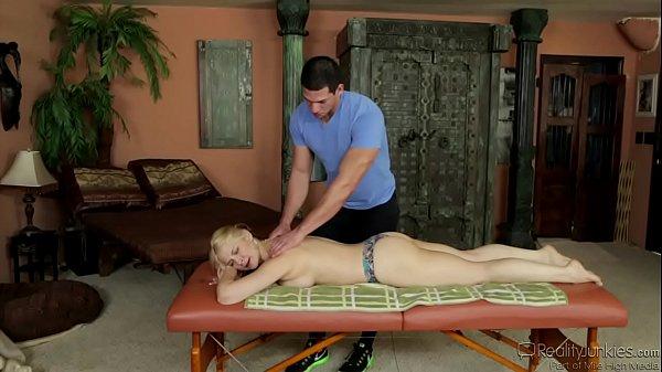 Sara Vandella Gets A Hardcore Massage Thumb